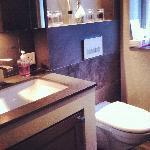 Shared Bathroom Berlin & London Room