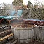 hot tub , hidcote suite