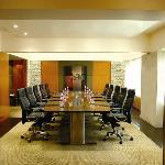 The sophisticated and versatile meeting rooms and boardrooms feature a combination of function,