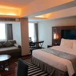 Photo de Legacy Suites Sukhumvit by Compass Hospitality