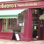 Beano's Tontine Street