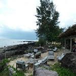 het restaurant met zeezicht en buitenterras
