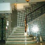 Fès Hotel Mounia: scala e maioliche