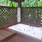 Outdoor jacuzzi lacked privacy