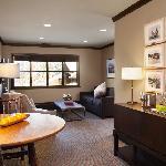 Paulsen Suite