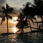 Puesta de sol desde la piscina