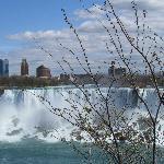 Niagarafälle  (Blick auf USA)