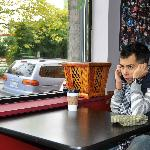 A satisfied customer at Caffe Zingaro