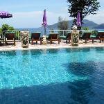 Tri Trang Pool Access