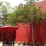 Patio Rojo