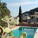 Pool und Terrasse mit Meerblick