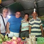 al mercato di MoalBoal con Franco