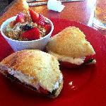 Saltimbocca Freddi (cold) Caprese - sliced tomatoes, fresh mozzarella and pesto dressing $9