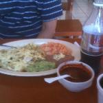 Chilaquiles Verdes & Salsa de Arbol