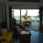 Pélican - salon et terrasse