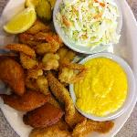 shrimp and catfish combo..was great!