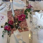 Tischdeko beim Candle-Light-Diner