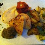 Poulet tandoori, aubergines, légumes et pommes de terre