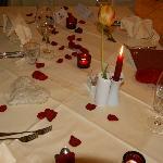 Stimmungsvoll gedeckter Tisch