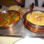 < vegetable curry.. >chicken curry
