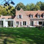 Le Pavillon de Beaumont côté jardin
