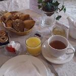 continental breakfast (April 2012)
