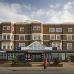 B ay Strathmore Hotel