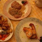Saltimbocca und Schwertfischfilet