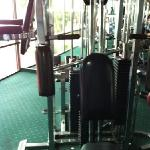 terrible fitness center one side to this had no cable and only one pin for the other two so had