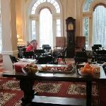 Salle du petit déjeuner dans le hall