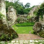 Jardín ubicado en la antigua ermita