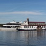 River cruises on beautiful lake norman