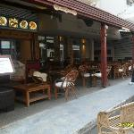 Hotel Saronis