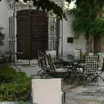 patio dove si svolge la prima colazione