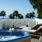 Honeymoon Suites with jacuzzi