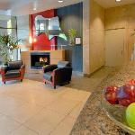 Landis Hotel & Suites Lobby