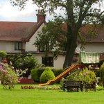 Chequers Inn and Garden