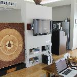 Wohnzimmerbereich mit Blick Küche in der Beach Villa