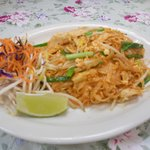 Chicken Pad Thai.. I like it!