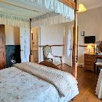 king size four poster (room 1)