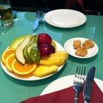 frutta e baklava offerti dal ristorante