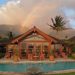 rainbow over Ho'oilo House