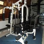 Worn down and dangerous work out machine!