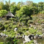 芙蓉池と茶室・清漣亭