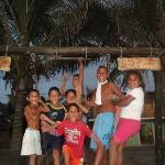 Los niños de Canoa frente a Olmito