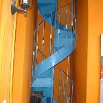 Una de las escaleras que adornan el Hostas
