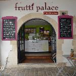 Frutti Palace juste à côté du marché médiéval
