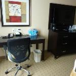 desk & flatscreen