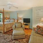 Quaint Cottage Studio