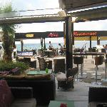 Nice place to eat with sea view